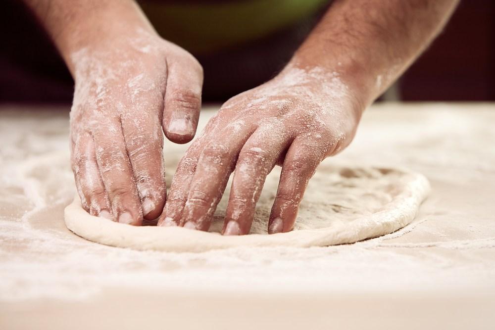 Come fare la pizza in casa: eccovi 5 trucchi del mestiere!