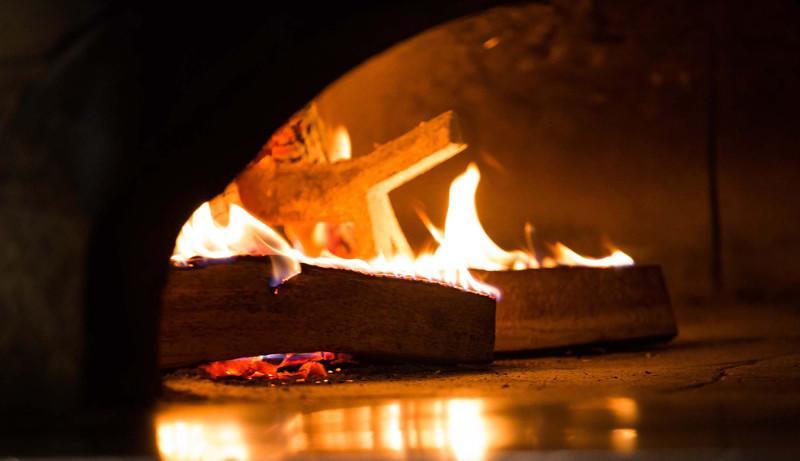 Pizza forno a legna qualità