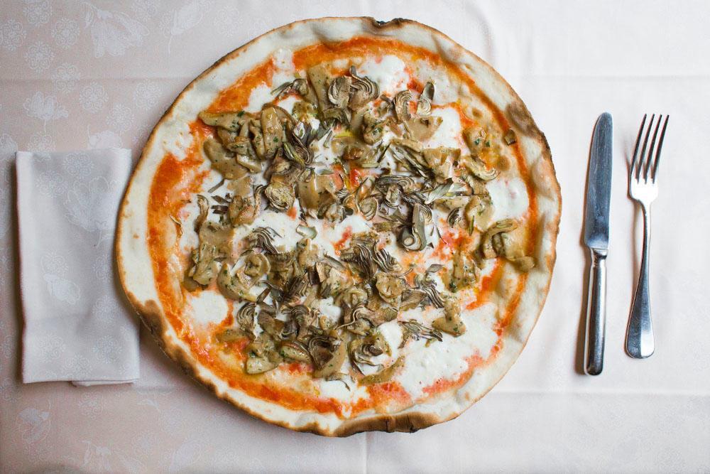 funghi porcini pizza